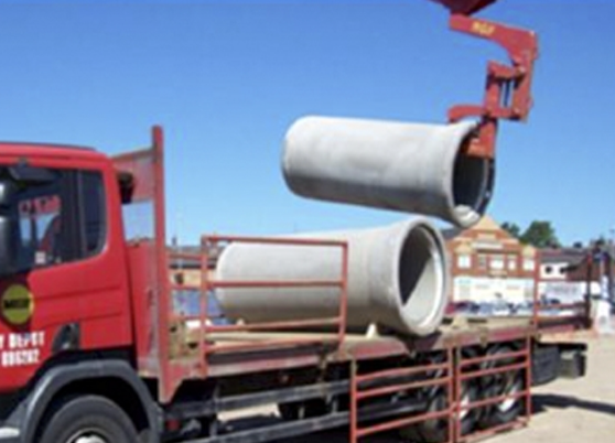 """Rinker Materials Concrete Pipe Handling : Innovation in precast concrete pipe lifter """"offsite"""